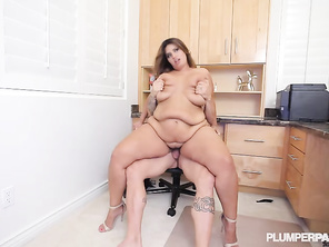 exellent post she is a natural and loves a good fuck
