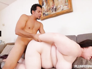 I would have so much pleasure in eating that pussy