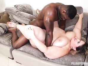 I want to fuck that big thick ass chick in the ass