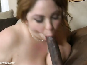 like to see that cum slipping from her beautifull mouth