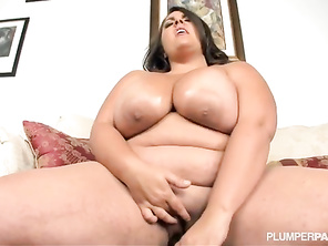 need more videos of her fucking and sucking at the same time too