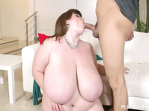 This chubby girl wife may be the hottest goddess on the site