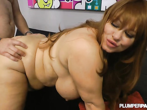 she is so sexy and he did a great job too nice work people