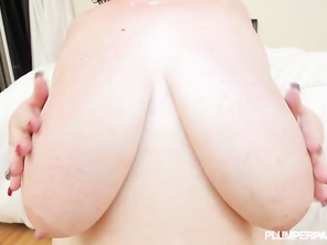 nice tits and she knows how to work that pussy
