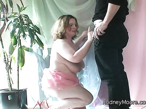 Chubby Miranda is in a photo-shoot but when the photographer asks her to reveal more she gets shy and declines.