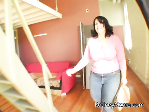 But in the midst of a very enthusiastic blow job, hot BBW Maddy knocks at the door, warning him not to shoot with a girl named Elektra.