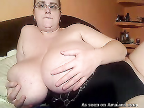 thats how ilike it she's so hard on the edge to be a bbw nice girl and good fuck
