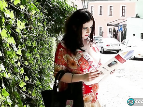 Anna Beck is a tourist lost in a strange city.