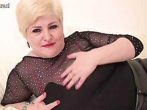 Fatty mommy mother from Berlin