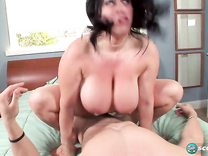 Kitty Lee Dick Daddy For A Huge Titty Kitty and Fuck Dark Bbw Butt and Fatty Strapons