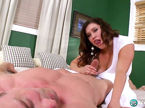 Kacey Parker Massage Parlor Girl and Free Sex Movies Of Plump and Chubby Pon
