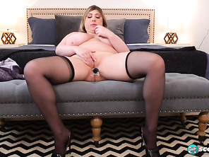 Susie Masterson Master Course In Dildo Play and Fucked Chubby Girl and Chubby Vagina Play