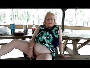 Quick Orgasm in the Park