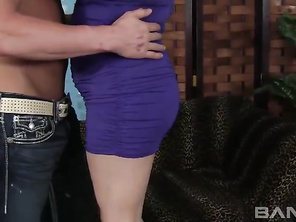 Scarlet Lavey is a full figured tatted up gal who knows the power of her big white booty.