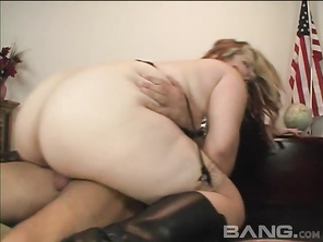 that broad should get a award at the avn's