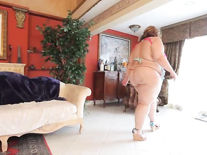 A Helping Hand. 2_bbw_2_video_2