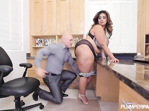 BBW Sofia Rose Gets Fucked On The Job.