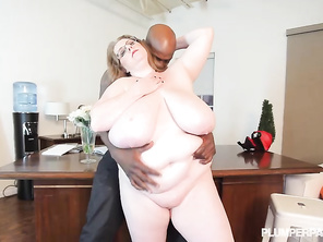 amazing woman this clip is going right into my favs