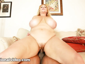 I would love to fuck both girls especially the bbw in red