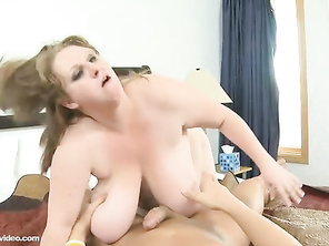 She is the best shit talker I've heard, I would bang her religiously