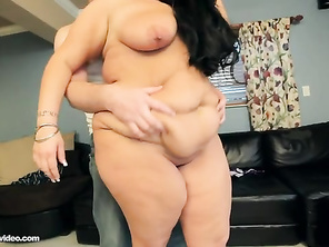 I do like a natural full bodied woman with a juicy wet Big pussy