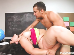 gotta love kitty lee, she really looks like the cougar next door