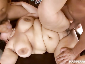 all that's missing is a little bbw, any clips of her doing bbw