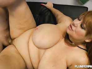 she has a great looking pussy very clean shaved m got me wet