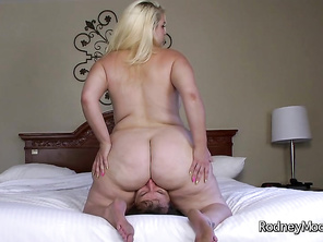 Noticing her big round juicy bottom, he then convinces her she can sell her photos for five bucks if she strips naked and shows off her fat ass.