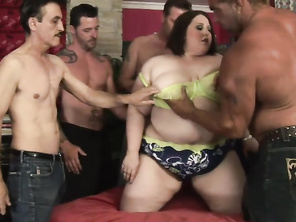 I'm sure you all remember her but if you don't, then here's a hot gang bang scene to freshen up your memory.