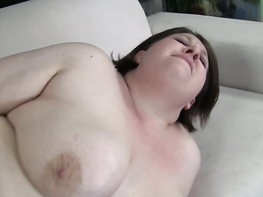 Is you're into hot girls that are plump and always horny, then Khole Kanyon is right up your alley.