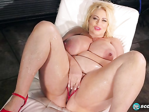 Legends like Samantha 38G always get what's cumming to them.