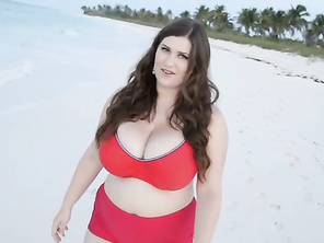 Life is a beach for Jennica Lynn, M-cup goddess and newcomer to The SCORE Group.