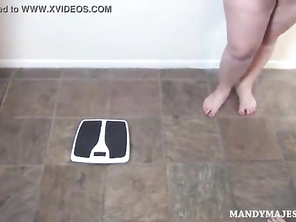 Mandy Majestic and friends Weigh Each other