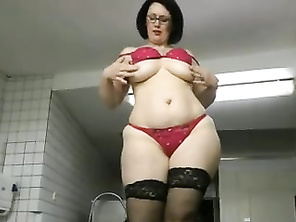 PAWG doing her thing
