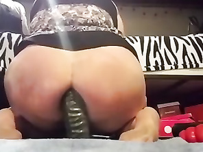 Horny CHUBBY Rides Dildos In Her Cunt And Butt