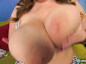 The ever-lovable Sarah Rae says she comes from a place called Big Titty Island.