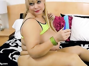 PLUMP Samantha 38G Drills Her Vagina With Toy Till She Squirting
