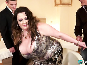 Anna Beck Tag Teamin Anna and Free Porn Huge Bbw Vagina and Chubby Porno Stars