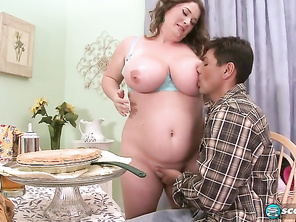 Nikki Smith Love Her Pie and Free Bbw Porn Pictures and Fatty Plumper Tubes