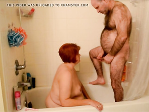Sharing Pee with Hubby