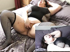 Miss Lou - FAT plays with toys and cums