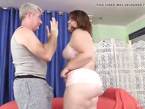 Hot and Bbw Maxi Pleasures Receives a Raunchy Rubdown