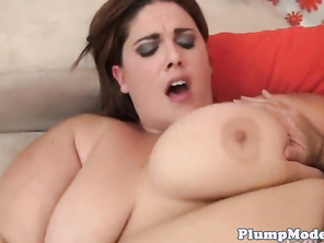 Pussyfucked plump shakes her bigtits