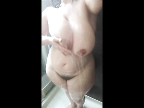 Shower HOUSEWIFE wife2