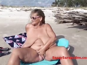 Big tits gets a beachside visitor