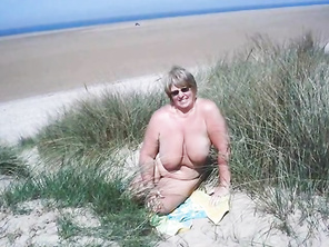 CHUBBY Matures Grannies and Couples Living the Nudist Lifestyle