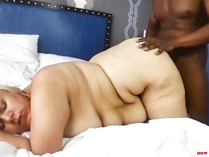 FAT Jenna Fox fucks her personal trainer Derek Skeeter