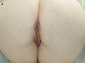 FAT PISS ENEMA HUGE BBW ROUND ARSE MILF SQUIRT GOLDEN PEE