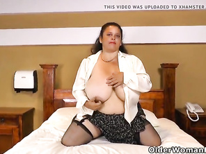 Latina FATTY Rosaly lets us enjoy her huge tits and big ass